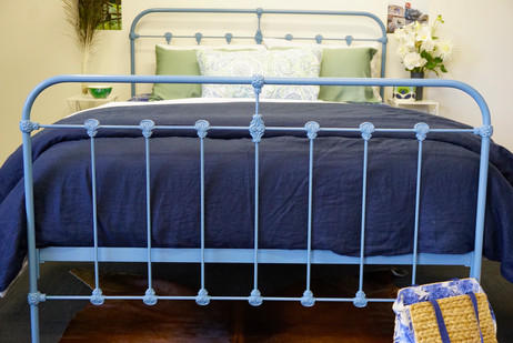 Kingston Cast Bed