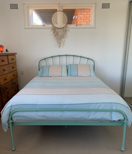 HIGHGROVE Cast Bed