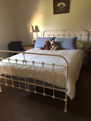 Surrey Cast Bed Balaklava SA