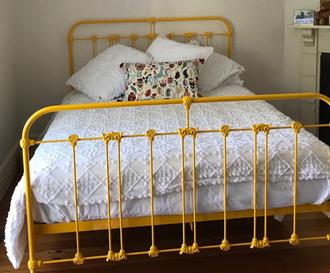 Kent Cast Bed