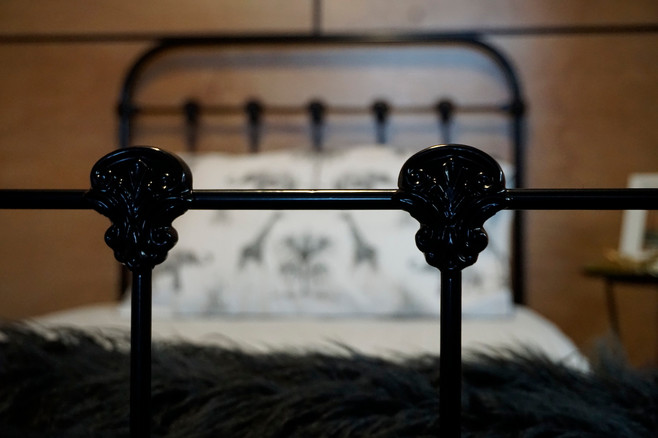 Dover Cast Bed