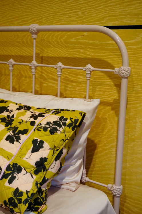 Hampshire Cast Bed
