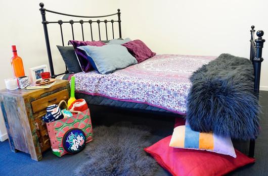 Somerset Cast Bed