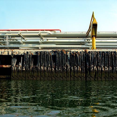 Oil-Peir.jpg
