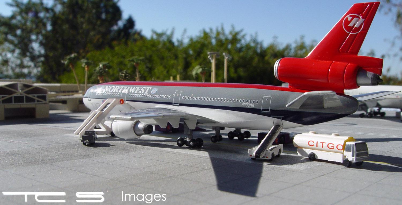Northwest Airlines DC-10-30