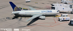 United Airlines 767-200