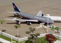 United Airlines 747-100