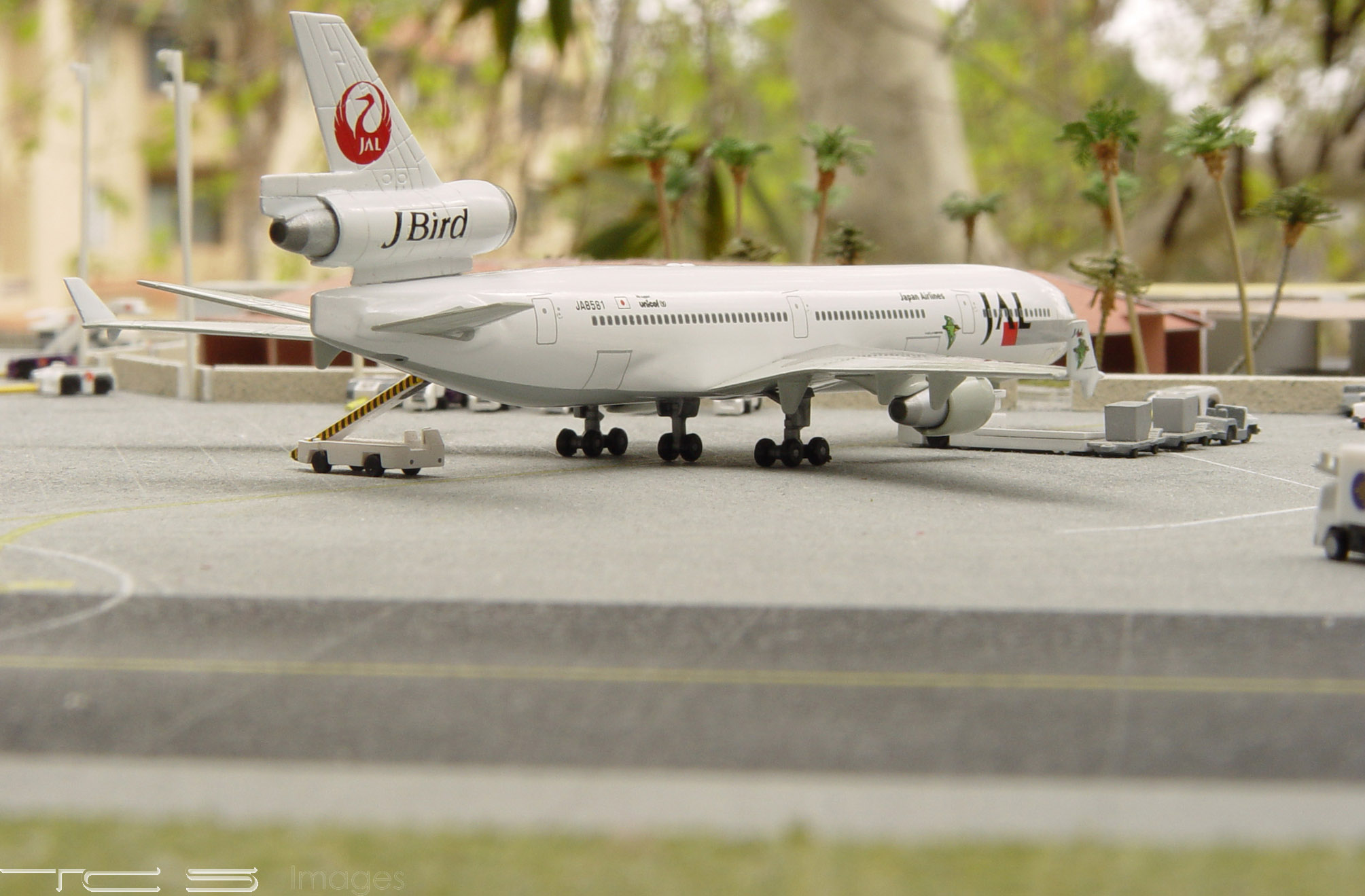 JAL MD-11 'J-Bird'