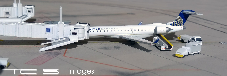 United Express Bombardier CRJ700