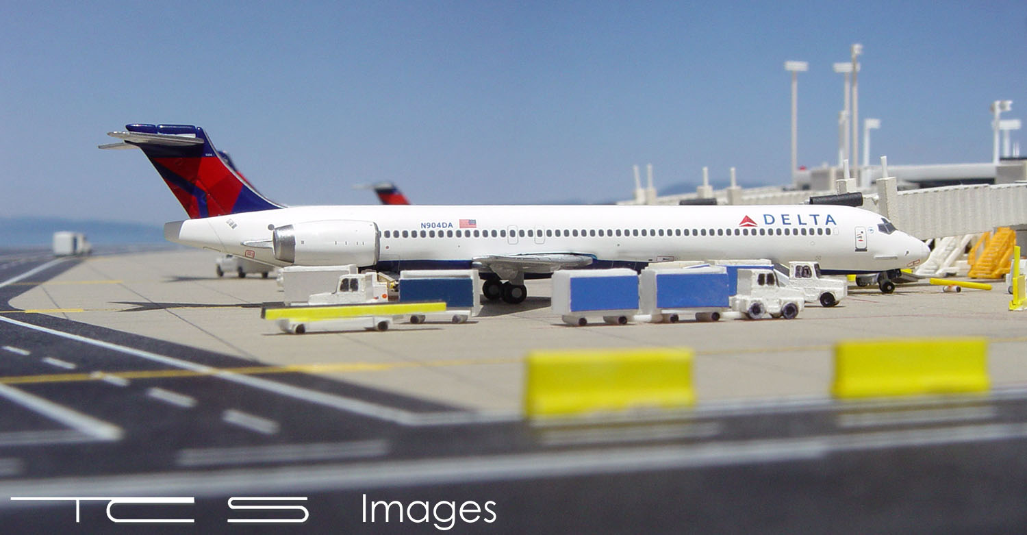 Delta Airlines MD-90