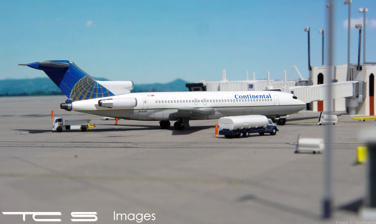 Continental Airlines 727-264F