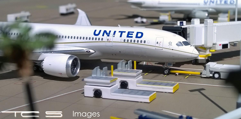 United 787-8