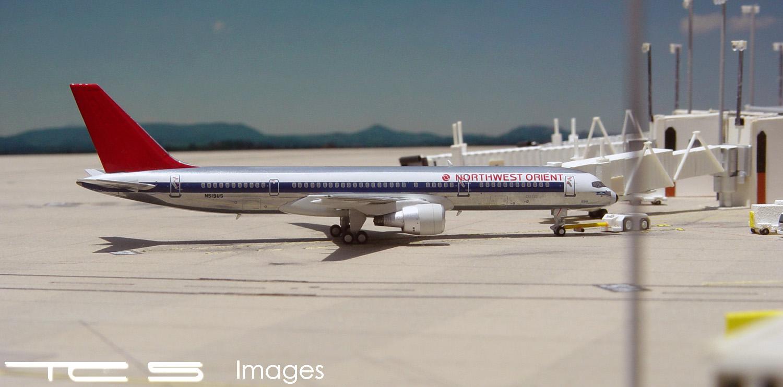 Northwest Orient 757-200