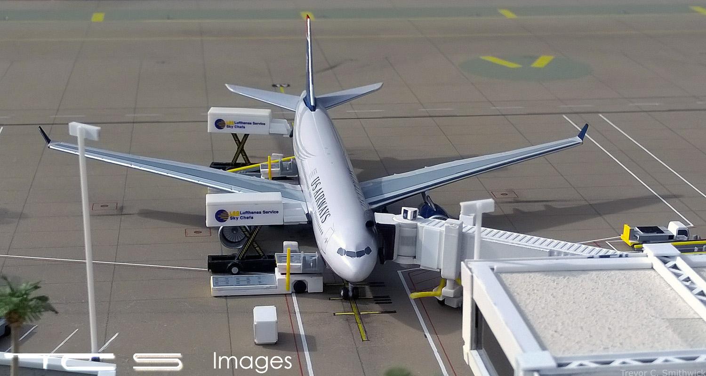 USAA330B2flat.jpg