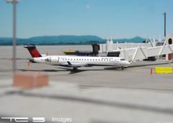 Delta Connection CRJ-700