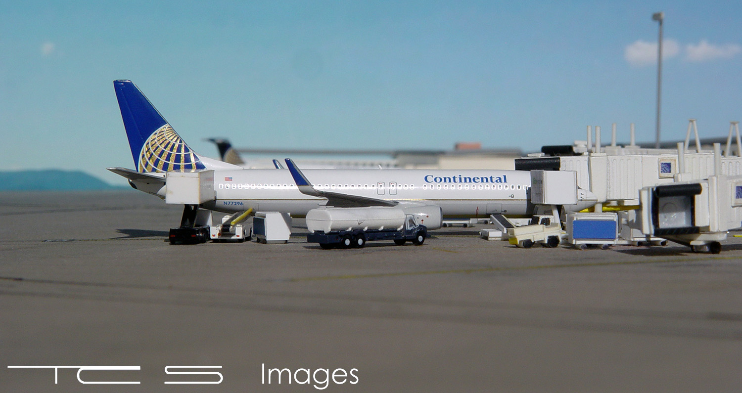 Continental Airlines 737-800