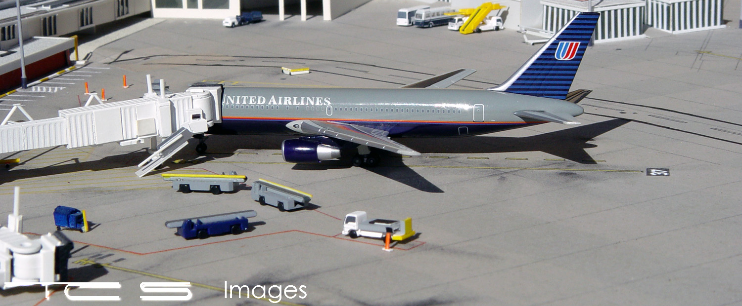United Airlines 767-222