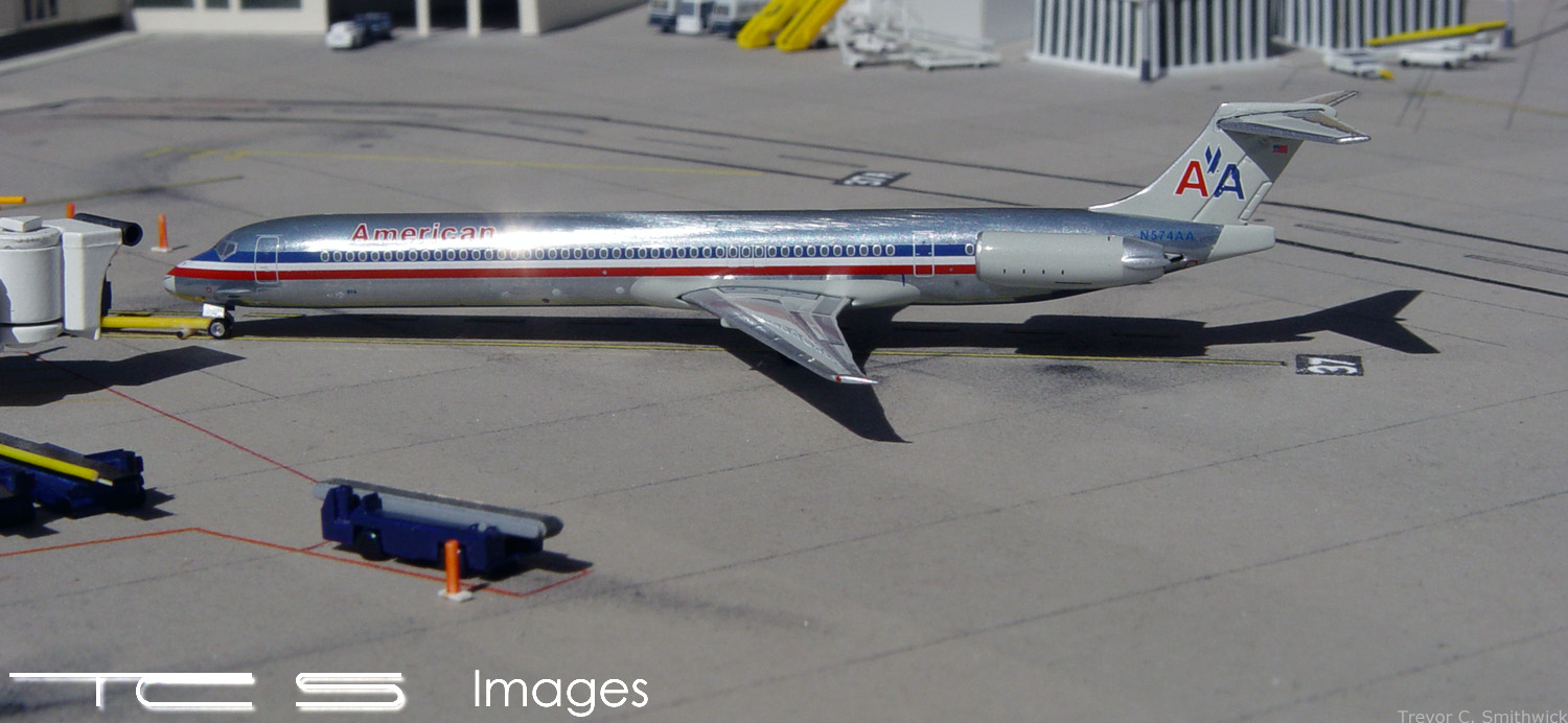 American Airlines MD-80