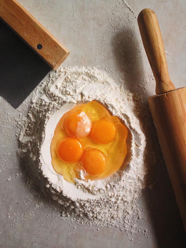 Pasta alla carbonara in four acts