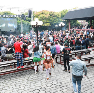 Bangtoberfest-17.jpg