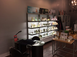 Retail & Manicure