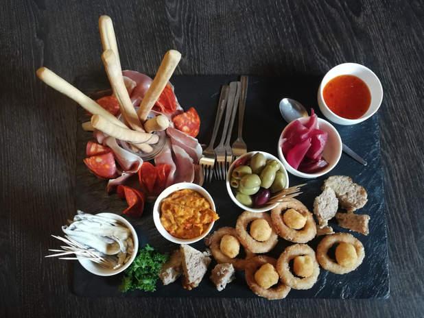 Food01 - Apero bord.jpg