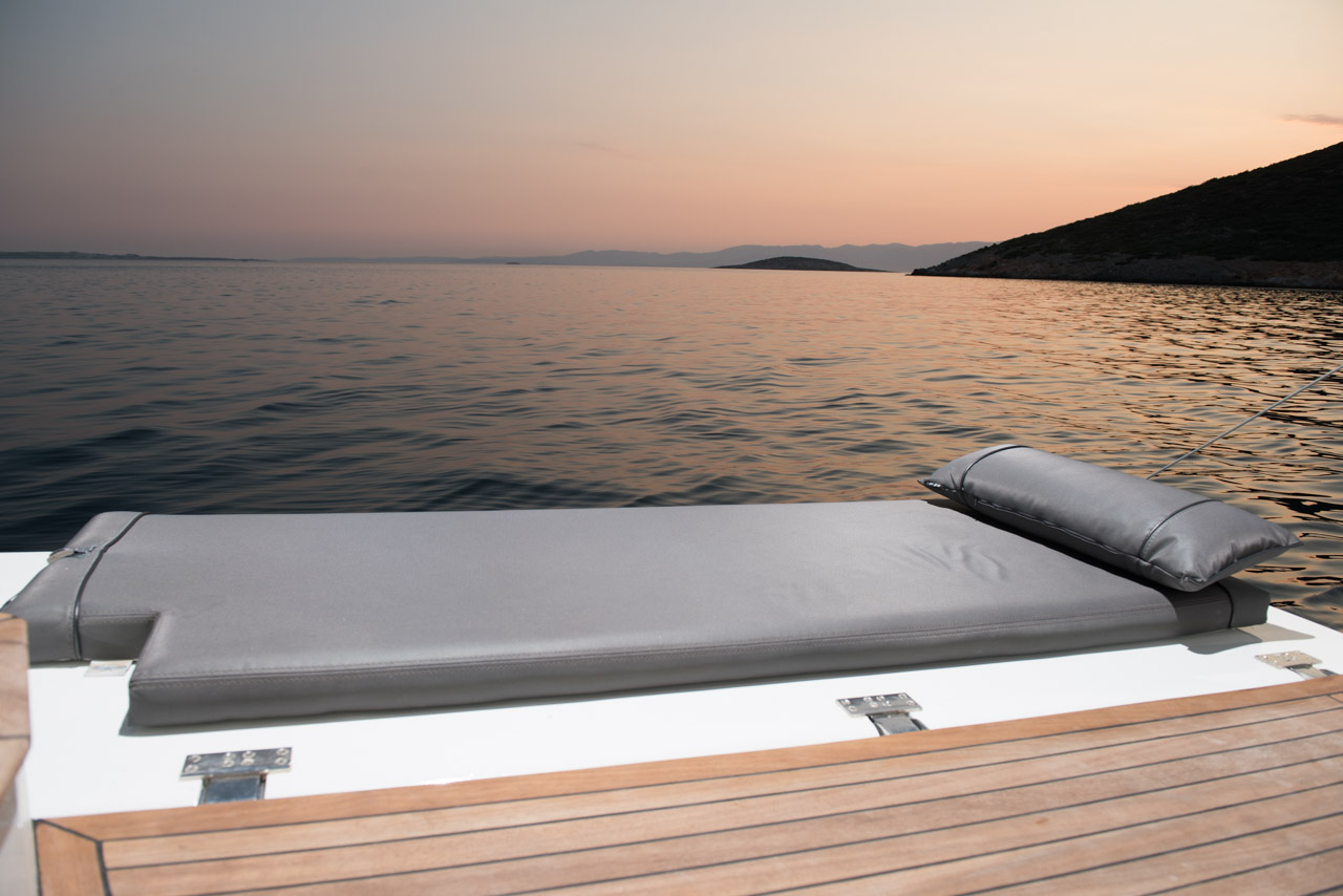 P35 Sun Bathing