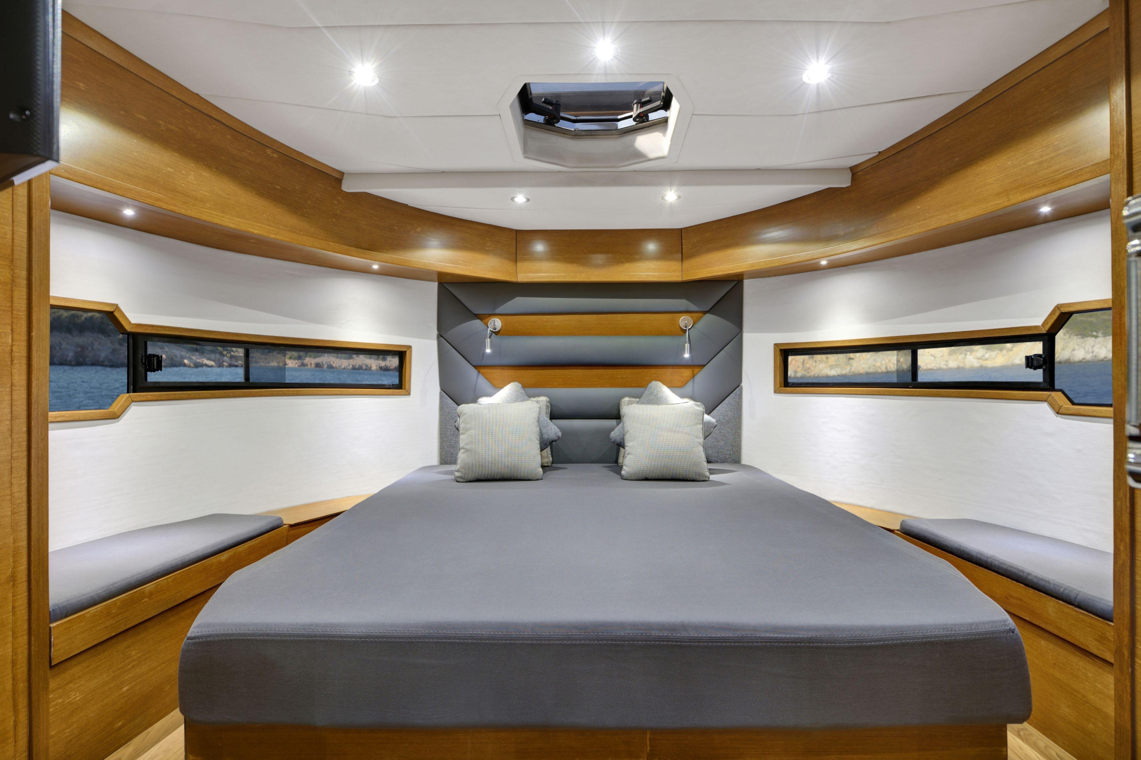 P35 Master Cabin