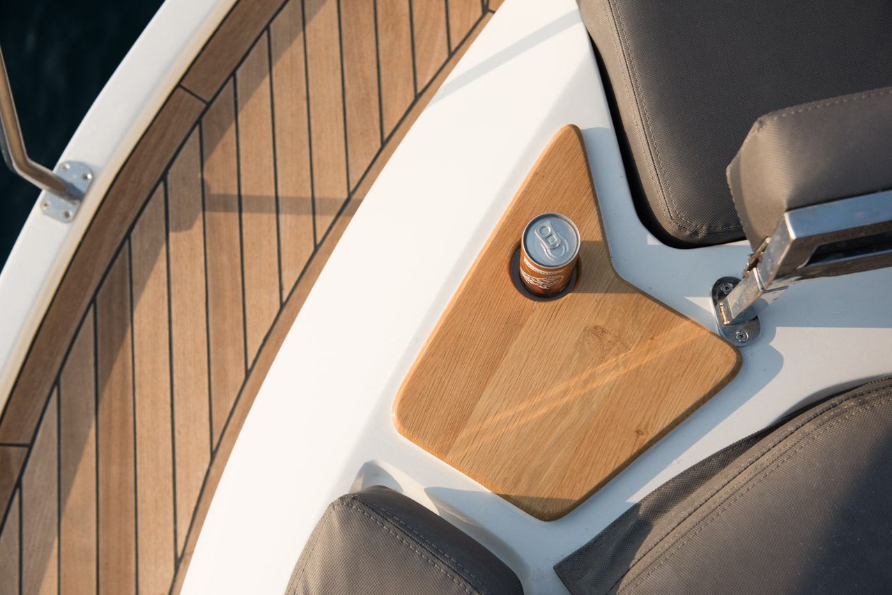 P35 Cup Holder Detail