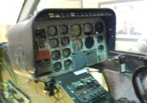 Bell-206L-1-cockpit