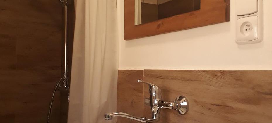 koupelna chatka.jpg