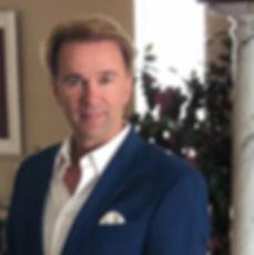 Frederick Profil Pic Headshot.jpg
