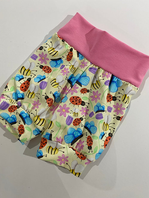 3-6m Busy Bugs shorts