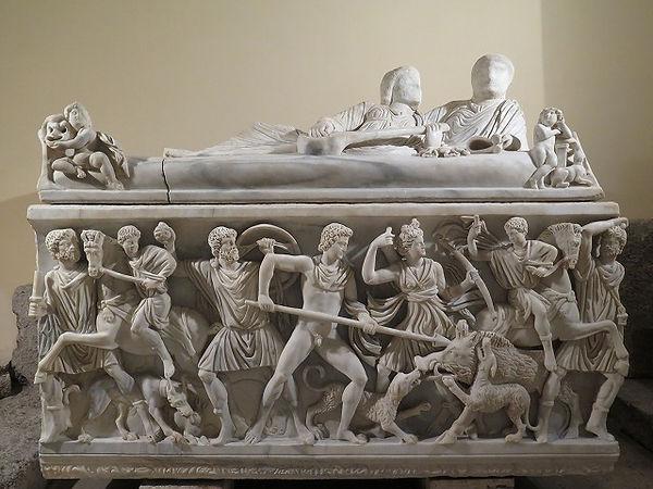 40ギリシア神話・カリュドーンの猪を彫った石棺.jpg