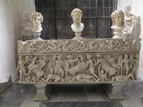41ギリシア人とアマゾンネスの間の戦闘シーンとの石棺(180~190年).jpg