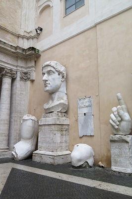 02コンスタンティヌス大帝の巨像の一部(4世紀)(2).jpg