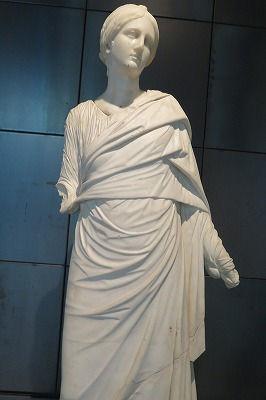 30キトンを着た女性像 (50-138 AD)(2).jpg