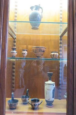 81領主の収集の壺Ⅱ・ブッケロ式陶器(エトルリアの黒色の素焼き壺).jpg
