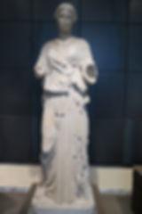 32ミューズ像(紀元前5世紀中ごろ).jpg