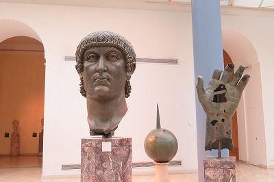 11コンスタンティヌス大帝の頭部(4世紀)①.jpg