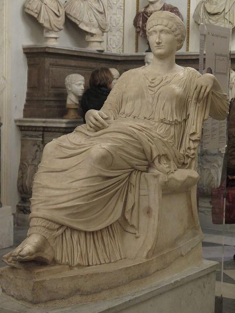 54フラウィア・ユリア・エレナ像(コンスタンティヌス1世の母).jpg