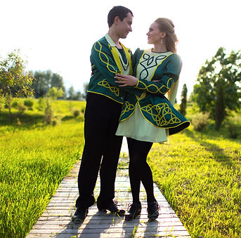 Школа ирландских танцев Hibernia, Москва. Основатели школы и преподаватели по ирландским танцам - Оспины Сергей и Алена. Ирландские танцы для детей и взрослых.