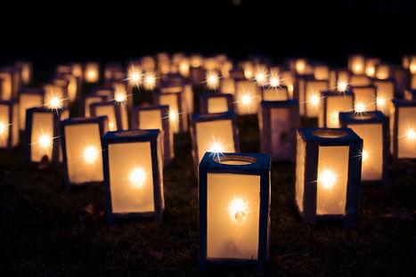 lChristmas lanterns-1088141.jpg