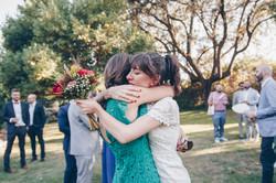 Bride Embrace | Abrazo novia