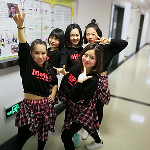 2018 Dancing girls
