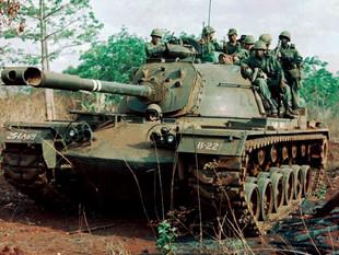 Vietnamkrieg - Panzer vor Saigon