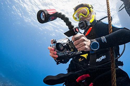 Digital Underwater Photograher - £99