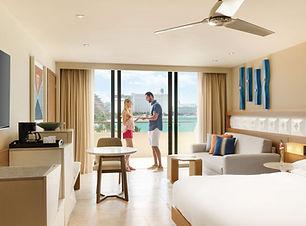 Hyatt-Ziva-Cancun-Ocean-View-King-Couple