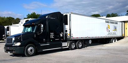 A Fare Foods truck loading up at our DuQuoin, IL location