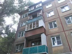 Вариант выносного балкона со шкафом